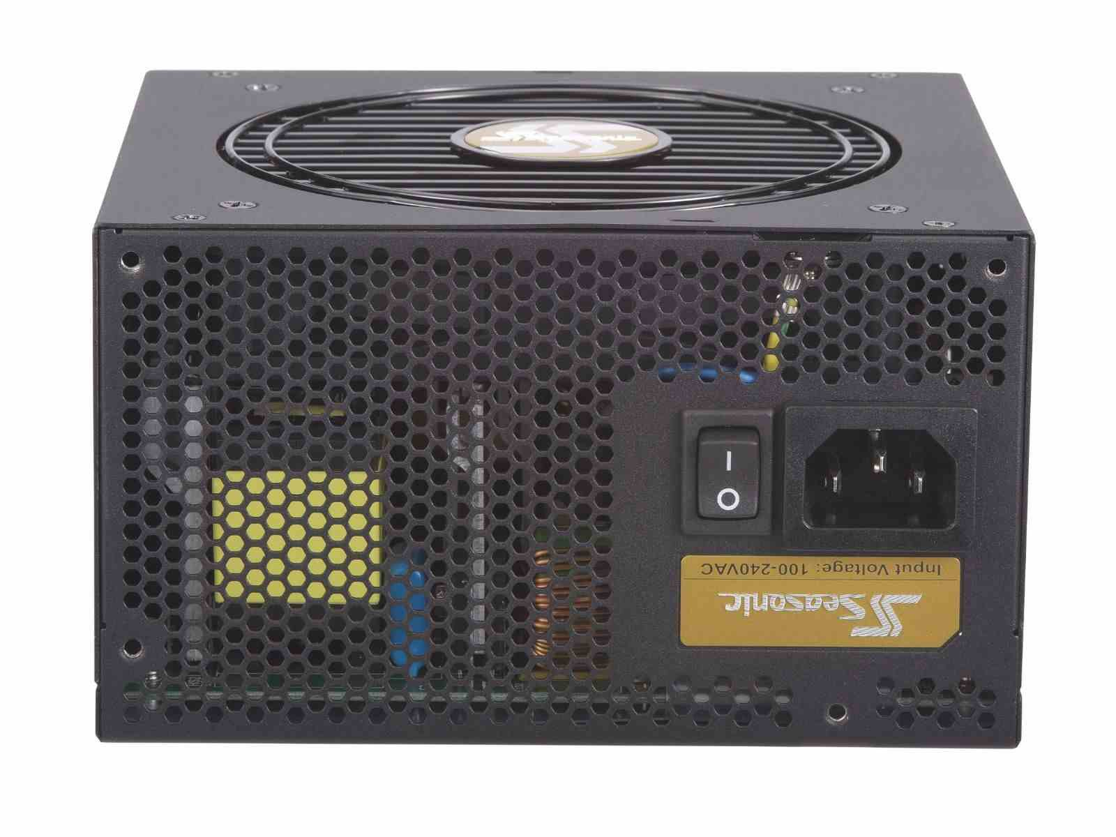 Блок питания 650W SeaSonic Focus Gold (SSR-650FM) (120мм, 24+8pin, 4x6/8pin, 3xMolex, 6xSATA, полумодульный, 80 PLUS Gold)